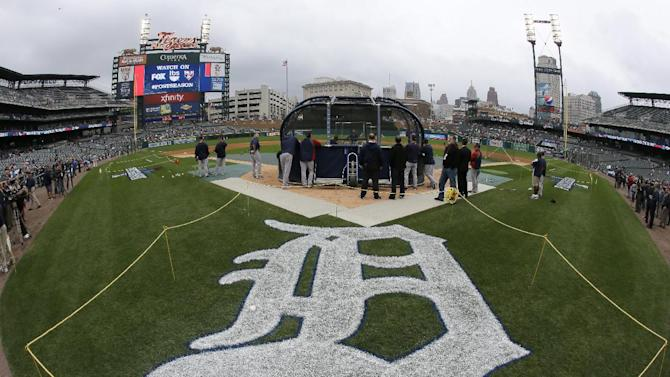 Four Tops sang anthem before Game 3 of ALCS