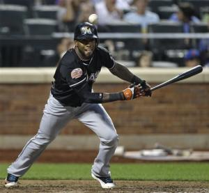 Reyes extends hit streak to 25, Marlins beat Mets