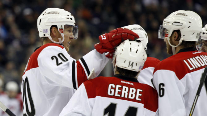 Ward makes early lead stand for Hurricanes, 4-2