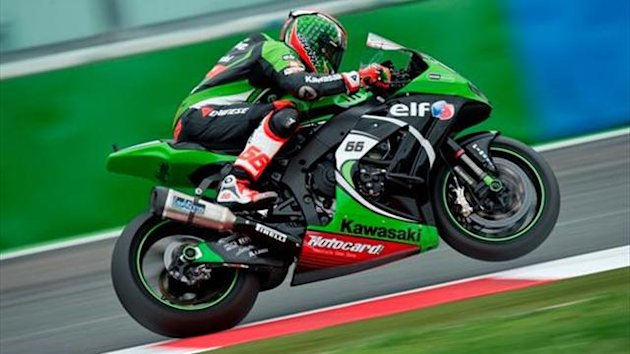 Magny-Cours WSBK: Sykes cruises to race one win