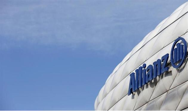 The logo of Europe's biggest insurer Allianz SE is pictured at the Allianz Arena soccer stadium in Munich February 26, 2014. REUTERS/Michaela Rehle/Files