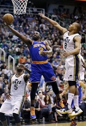 Smith lifts short-handed Knicks past Jazz, 90-83