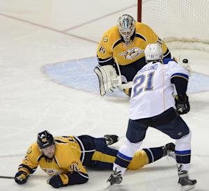 Berglund's 2 goals lead Blues over Predators 4-1
