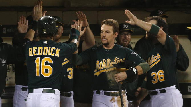 Cesepdes, Donaldson homer, A's top Twins 11-0