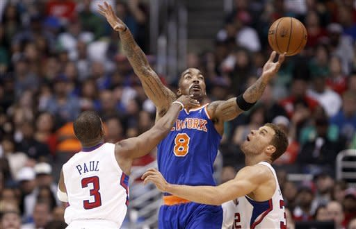 CP3 leads Clippers past injury-depleted Knicks
