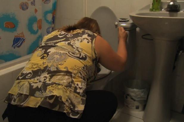 'Come Dine With Me': Watch One Contestant's Dinner Plans Go Down the Crapper (Exclusive Video)