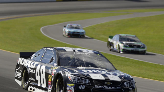 Johnson aims for 3-race winning streak at Pocono