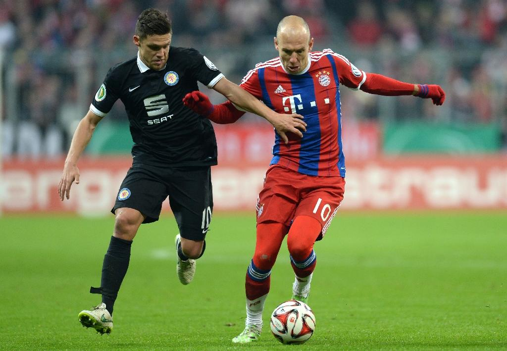 Bremen bow out, Bayern march into quarters