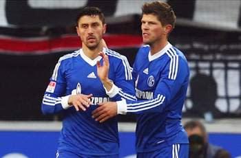 Schalke boss dismisses Huntelaar exit rumors