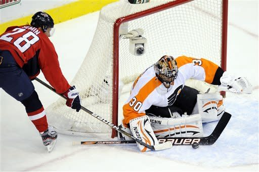 Flyers beat Capitals 5-1 for 6th straight win