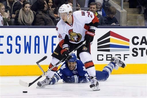 Scrivens gets 1st shutout, Leafs top Senators 3-0