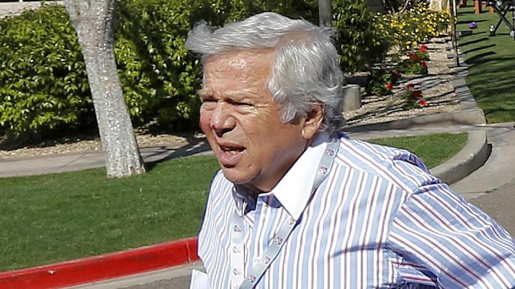 New England Patriots owner Bob Kraft arrives for NFL football annual meetings at the Arizona Biltmore, Monday, March 18, 2013, in Phoenix. (AP Photo/Matt York)