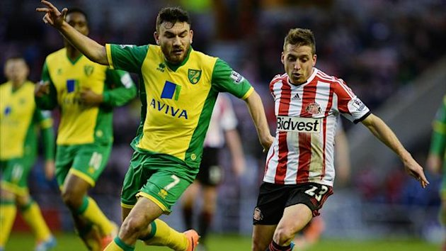 Sunderland v Norwich - Robert Snodgrass and Emanuele Giaccherini (Reuters)