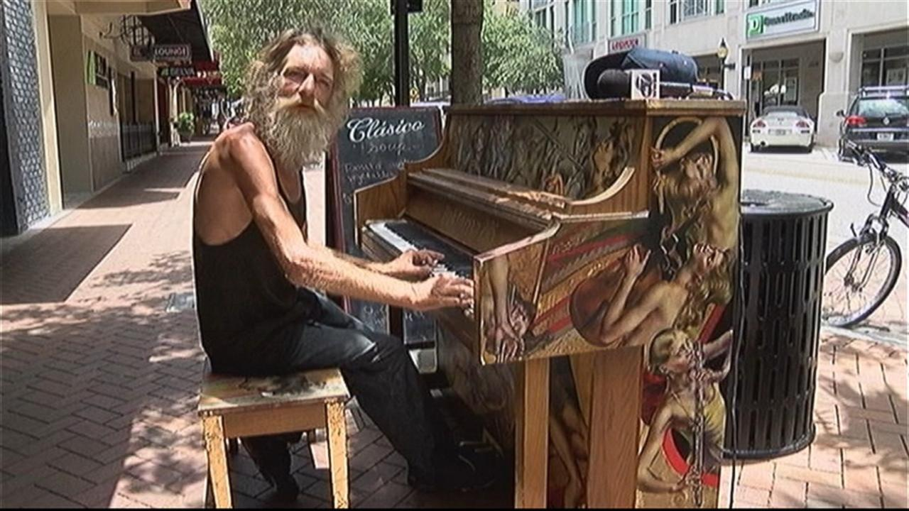 Homeless Man Plays Piano So Beautifully It Might Earn Him a Job