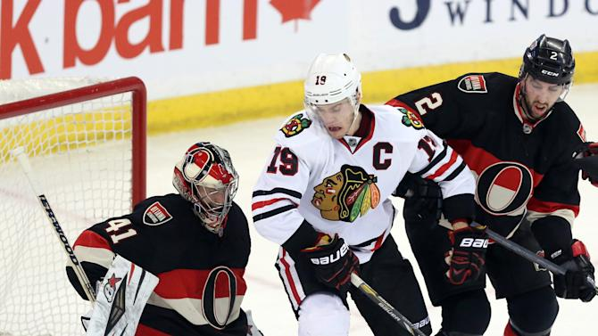 Blackhawks: Toews out until playoffs