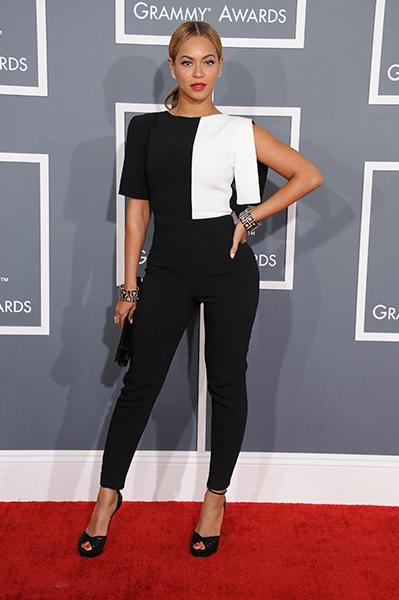 BEST: Beyonce wearing an Osman jumper Queen B nailed it, as usual, in a  graphic black-and-white, strong-shouldered jumper that fit her body perfectly. Coordinating black-and-white bangles, peep toe p