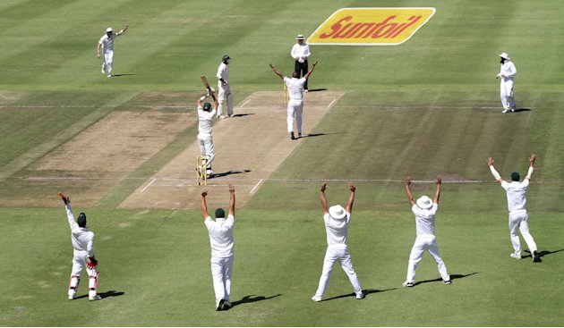 South Africa v Pakistan - Second Test - Day Two