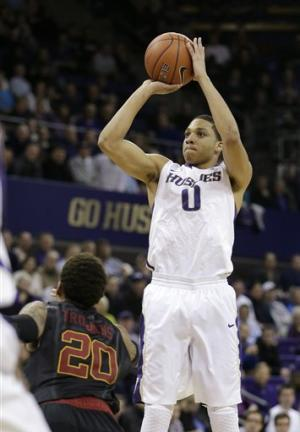 Suggs, Jarreau lead Washington past USC 65-57