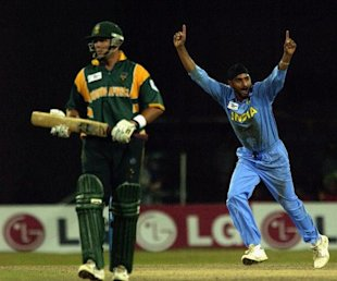 Harbhajan Singh of India celebrates the wicket of Boeta Dippenaar of South Africa