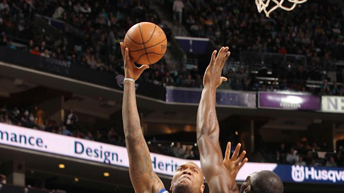 Speights leads Warriors over Hornets 106-101