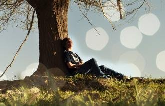 Lost in Thought? Here Are 5 Reasons to Incorporate Daydreaming Into Your Daily Routine.