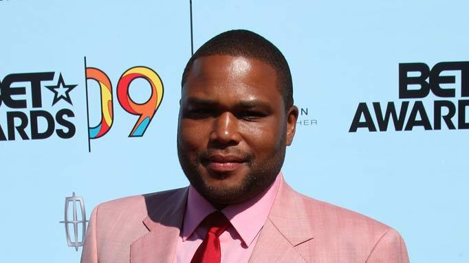 Actor Anthony Anderson arrives at the 2009 BET Awards at the Shrine Auditorium on June 28, 2009 in Los Angeles, California.