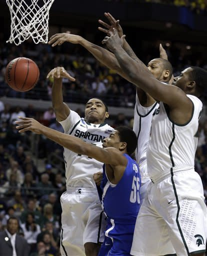 Michigan State easily advances past Memphis 70-48