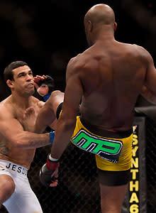 Silva flattens Belfort in UFC 126 main event