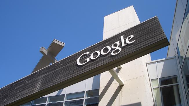 Google may use Motorola acquisition to emulate Apple's iPhone strategy