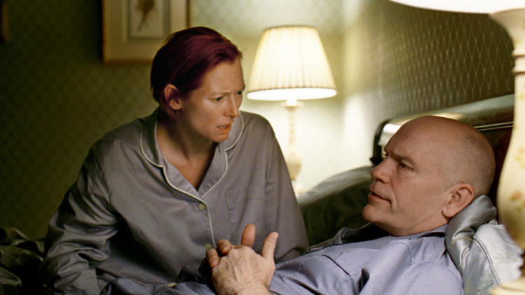 Tilda Swinton John Malkovich Burn After Reading Production Stills Focus Features 2008