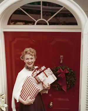 Actress Eve Arden gets into the holiday spirit, circa 1950 -- Getty Images