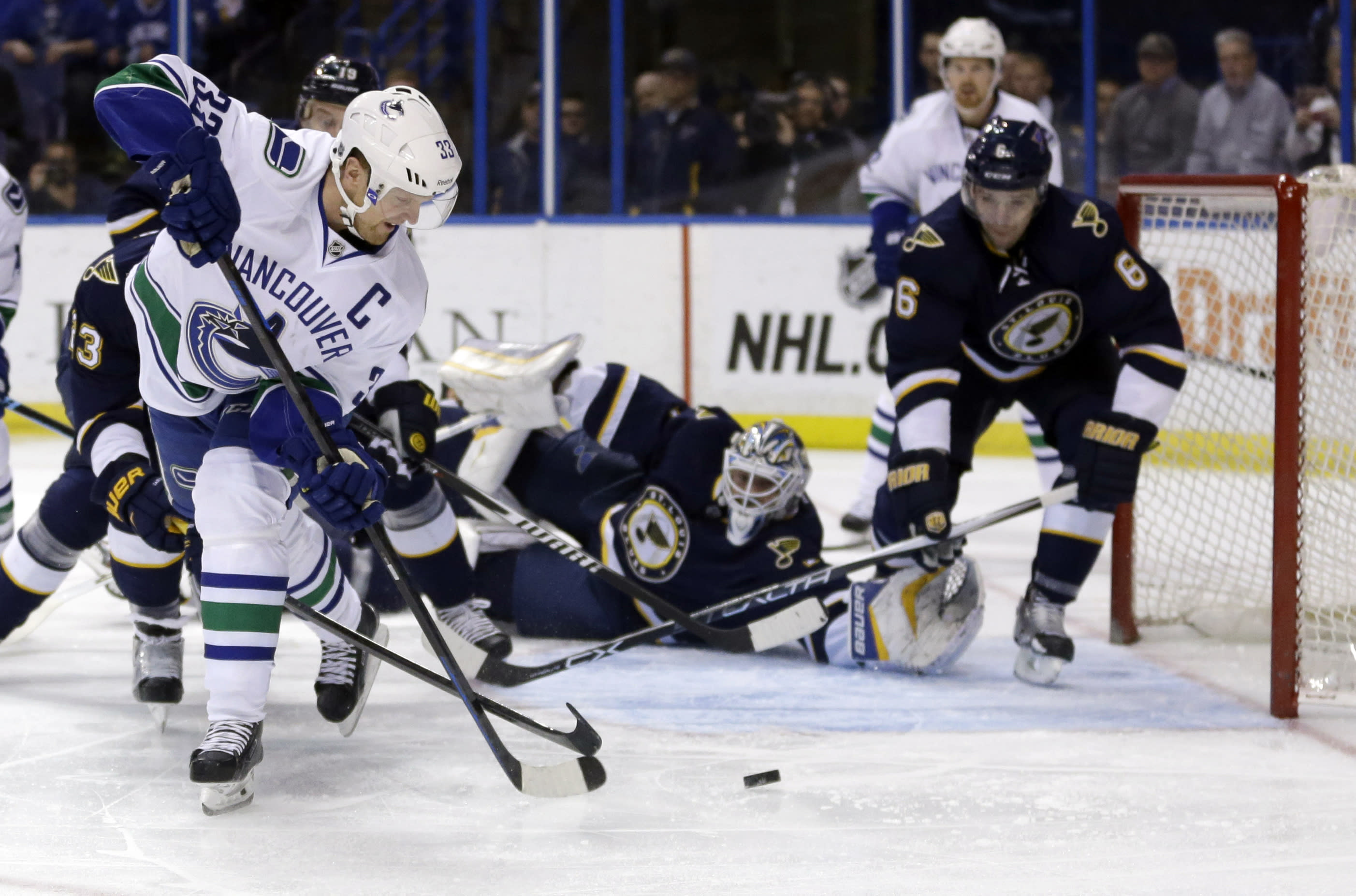Vrbata, Lack strong in Canucks' 4-1 win over Blues