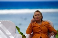 Hillary Clinton visitou ilhas ameaadas pelo aquecimento global nesta sexta-feira