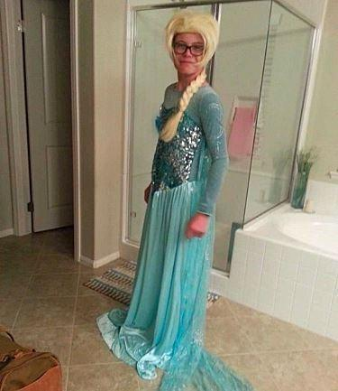 This Teen Boy Was Told the Elsa Costume He Wore to School Was 'Dangerous'