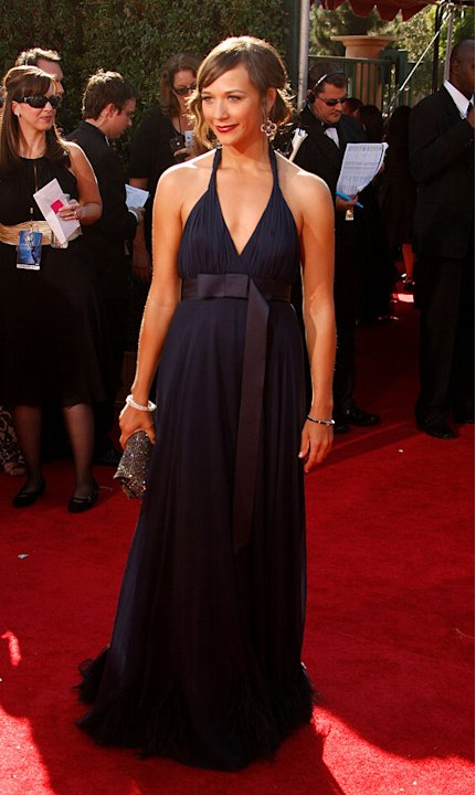 Rashida Jones arrives at the 59th Annual Primetime Emmy Awards at the Shrine Auditorium on September 16, 2007 in Los Angeles, California.