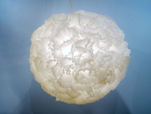 How to make a romantic pendant light with coffee filters