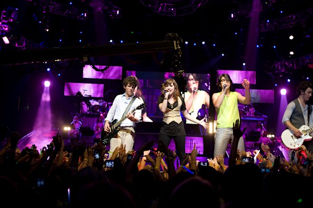 Nick Jonas Demi Lovato Joe Jonas Kevin Jonas Jonas Brothers: The 3D Concert Experience Production Stills Walt Disney 2009
