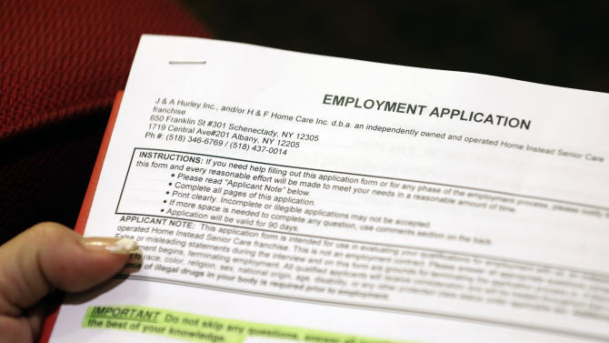 Weekly US jobless claims fall to 355K last week