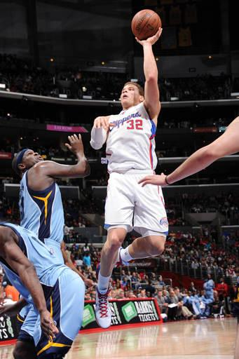 Griffin, Paul help Clippers end 3-game skid