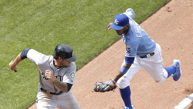 Mariners edge Royals 2-1 on ninth inning run