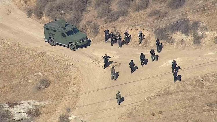 Riverside County sheriff's deputy shot; 1-2 suspects sought