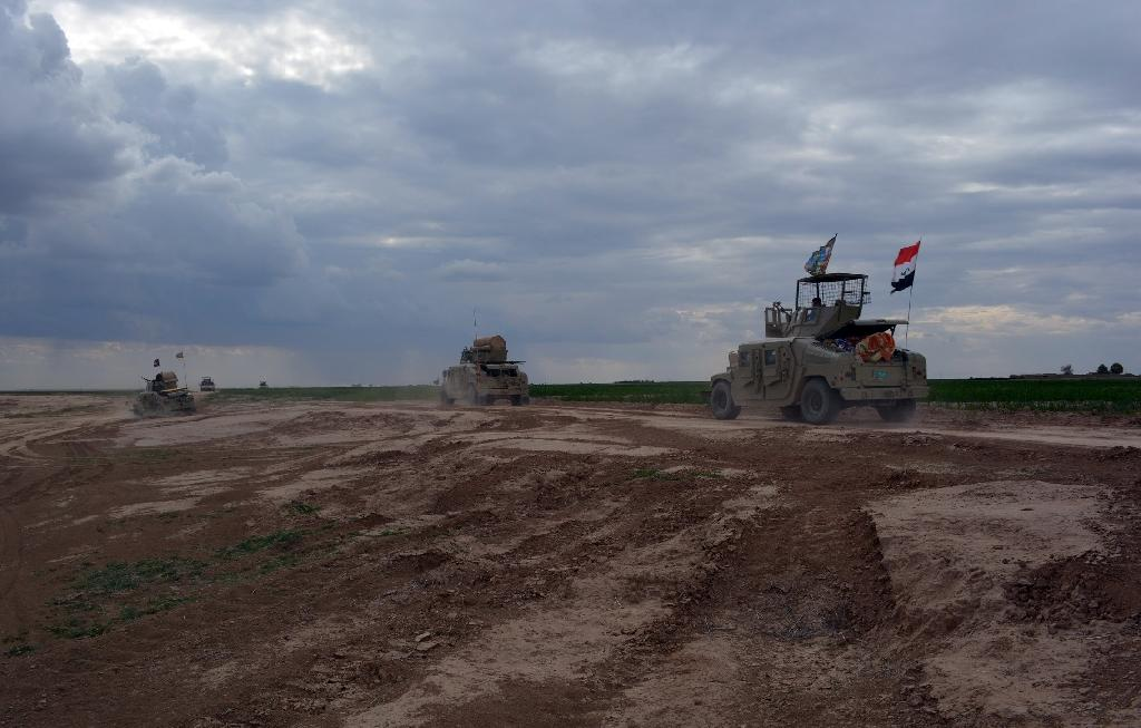 Concern grows for civilians as noose tightens around Tikrit