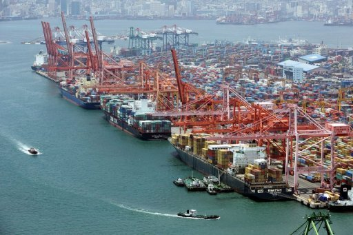 <p>General view of container port in Busan, 450 km southeast of Seoul, pictured on June 19, 2008. South Korea's trade surplus in 2012 shrank 7.1 percent to $28.6 billion, data showed on Tuesday, as exports were hit by decreasing demand in the key European market.</p>
