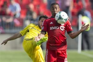 Oduro scores to lift Crew over Toronto FC 1-0