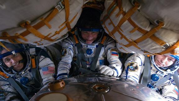 Touchdown! Soyuz Spacecraft Lands Safely with Russian-US Crew