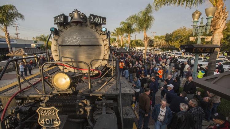 Big Boy locomotive begins California farewell tour