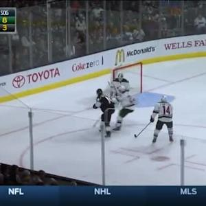 Niklas Backstrom Save on Justin Williams (09:33/1st)