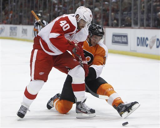 Red Wings match record with 20th straight home win