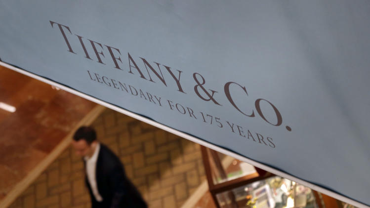 Tiffany 3Q results miss Street, cuts 2012 outlook