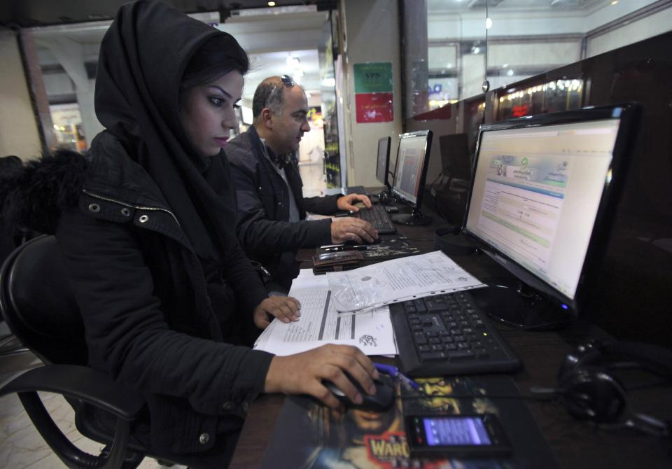 Report: Iran blocks VPN access to Gmail, Yahoo